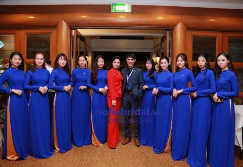 áo dài công ty sự kiện của Sofia ảnh 1
