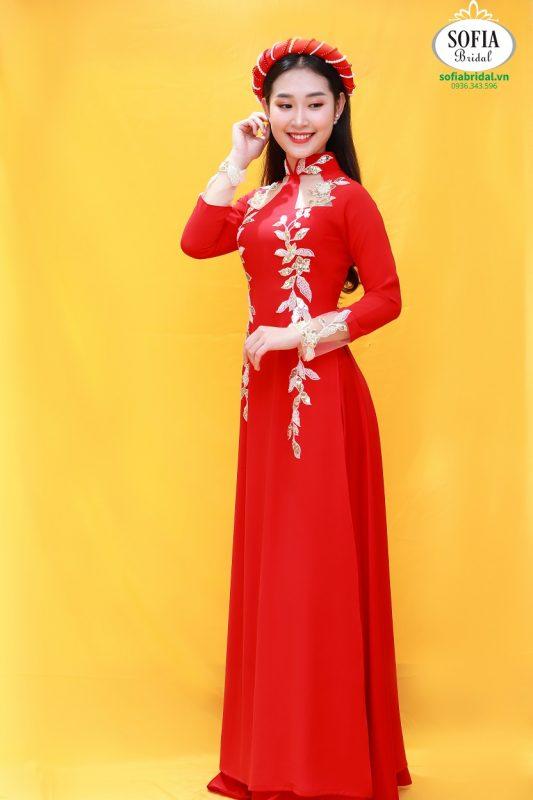 mẫu áo dài cô dâu đẹp màu đỏ pha ren