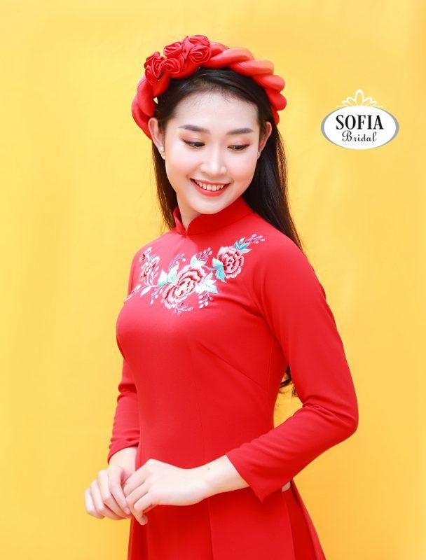 mẫu áo dài cô dâu đẹp màu đỏ thêu hoa