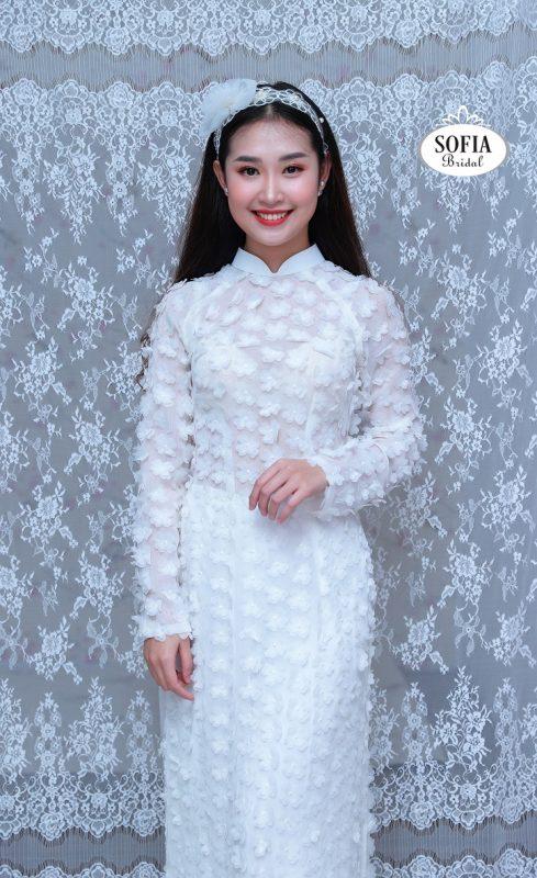áo dài cưới màu trắng pha ren