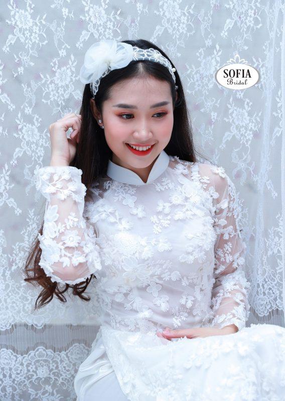 Áo dài cưới màu trắng phong cách hiện đại