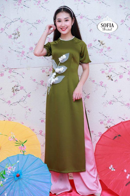 những mẫu áo dài cách tân đẹp mắt đang gây sốt tại Hà Nội
