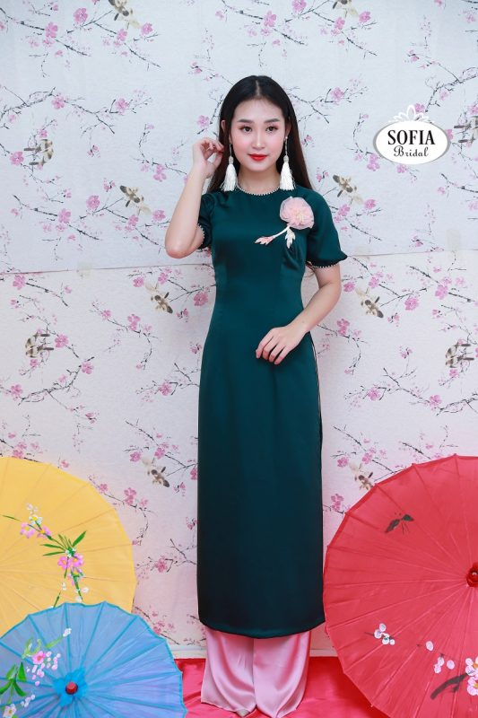 SOFIA BRIDAL Bán áo dài cách tân rất đa dạng màu sắc, kiểu dáng