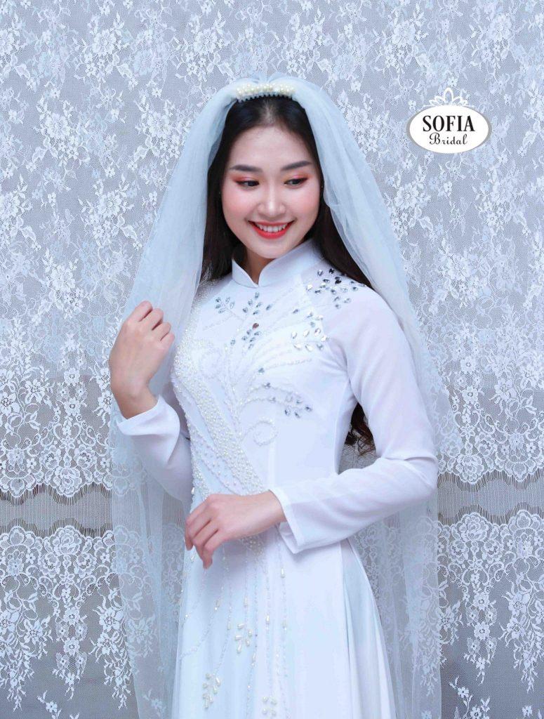 Áo dài cưới màu trắng đẹp tựa nữ thần