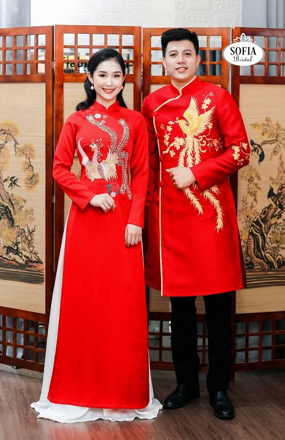 Áo dài Màu đỏ tượng trưng cho sự may mắn, tốt lành