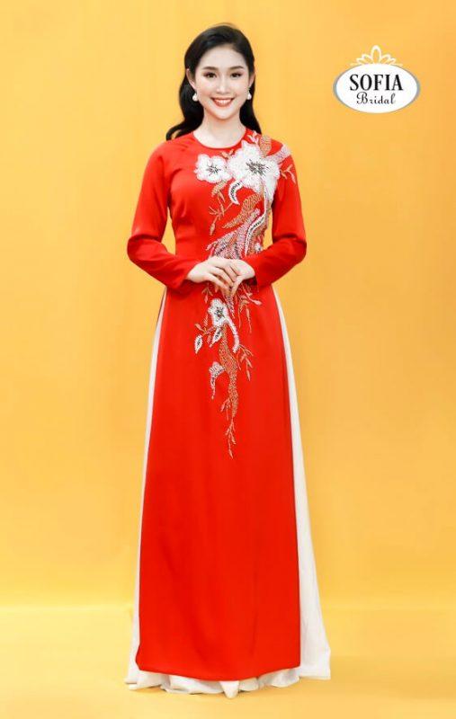 Áo dài quý bà vừa đẹp vừa sang