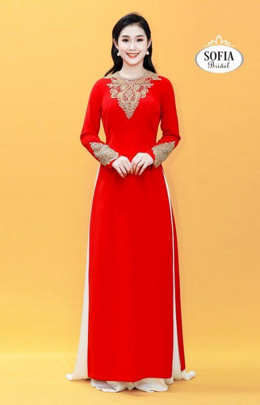 Những mẫu áo dài quý bà may sẵn đang gây sốt tại Sofia Bridal.